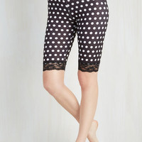 80s Across Town Shorts in Black Dots