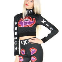 FRENCH KISSES CROP TOP