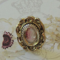 Vintage Whiting Davis Ring,  Whiting & Davis Co,  Pink White Lady Cameo Ring, Lucite Ring, Size 6 Vintage jewelry