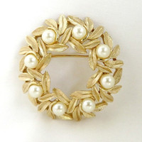 Avon Faux Pearl Wreath Brooch, Vintage Gold Tone Pin