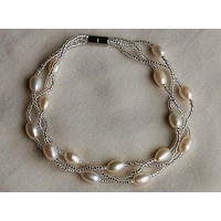 White Freshwater Pearls Bracelet with Magnetic Closure BF013