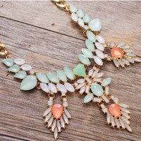 Aroa Necklace Set