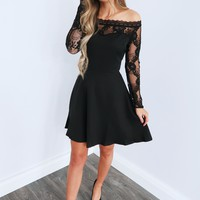Pull Me Close Dress: Black