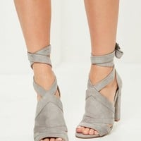 Missguided - Grey Vamp Tie Detail Block Heeled Sandals