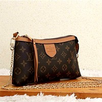 LV Simple New Retro Presbyopia Women's Shoulder Bag Chain Bag Crossbody Bag