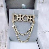Dior CD brooch pin men and women suit pin buckle rhinestone accessories