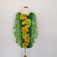 Vintage 1960s Floral Blouse Cape Sleeve Accordion Pleated Top Tunic Shirt Hippie Shirt Boho Hipster Caftan 70s Batwing Sleeve Beach Cover