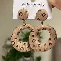 8DESS Louis Vuitton LV Women Fashion Ear Studs Earrings Jewelry