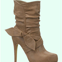 Light Brown Faux Leather Bow Rebecca Boots - 6 - 10 - Unique Vintage - Homecoming Dresses, Pinup & Prom Dresses.