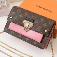 LV Louis Vuitton Fashion new magnetic buckle printing small square bag shoulder Messenger bag chain bag