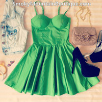Sexy Green Retro Bustier Dress with Adjustable Straps