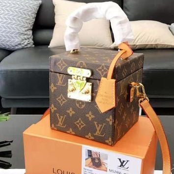 Louis Vuitton Hot Leisure Lady Water Ripple Print Gold Buckle Handcuffs Small Box