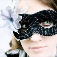 Sileas - Masquerade Mask in Black and Silver