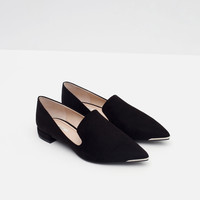 FLATS WITH METAL TOE