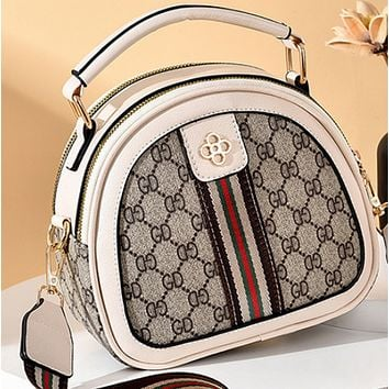The new texture fashion western style one-shoulder all-match round messenger bag