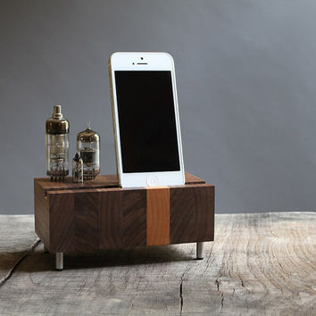 Smartphone dock iPhone Samsung Galaxy stand handcrafted butcher block from walnut wood with triple electron tubes