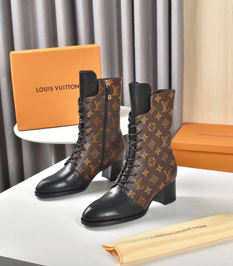 Image of lv louis vuitton trending womens men leather side zip lace up ankle boots shoes high boots 08068