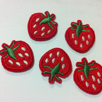 Lot Of 1 Set 5 Pieces Strawberry (2 x 2cm) Embroidered Iron on Applique Patch (AL)