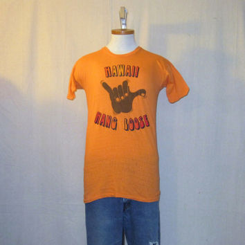 Vintage Rare 60s HAWAII HANG LOOSE Classic Graphic Small Orange Surf Beach Soft Worn In Cotton T-Shirt