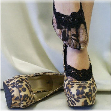 ENCHANTING LACE  lace socks - black