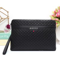 Gucci Women Leather Zipper Wallet Purse-22
