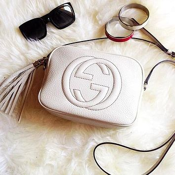 Dior GG solid color sewing thread alphabet zipper cosmetic bag lady messenger bag White