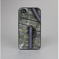 The Nailed Mossy Wooden Planks Skin-Sert Case for the Apple iPhone 4-4s