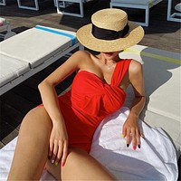 The new oblique shoulder one-piece swimsuit feminine sense is thin and covered belly hot spring bikini swimwear