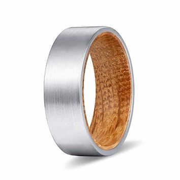 KEEN Men's Flat Tungsten Carbide Ring w/ Whiskey Barrel Wood Sleeve - 8MM