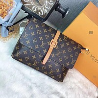 Louis Vuitton LV large-capacity fashion all-match shoulder bag