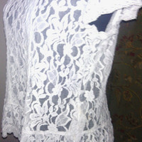 Women's Vintage Large White to Cream short sleeved lace blouse. Sheer lace white Ambercrombie and Fitch 90s women's large blouse.