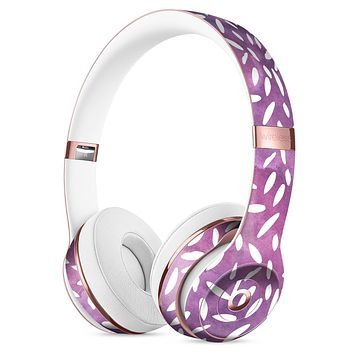 White Flower Pedals Over Purple Grunge Surface Full-Body Skin Kit for the Beats by Dre Solo 3 Wireless Headphones