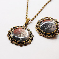 House Lannister of Casterly Rock Crest Set - House Lannister Cameo Brooch + Necklace - Game of Thrones Jewelry - A Song of Ice and Fire -