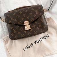 Louis Vuitton LV women's all-match handbag shoulder bag
