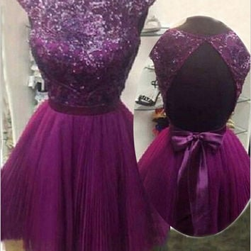 Charming A-line Capped Backless Bow Tulle Homecoming Dress