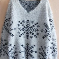 Cute blue snow flower sweater from Fanewant