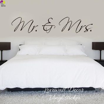Cool Mr & Mrs Wall Sticker Bedroom Sofa Wedding Room Party King Queen Love Quote Wall Decal Family Vinyl Home Decoration Art MuralAT_93_12