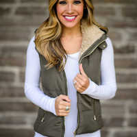 Fall Classic Puffer Vest in Olive