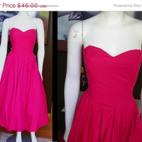 35% OFF Vintage 1980s does 1950s Laura Ashley Hot Pink Fuchsia Tea Length Strapless Sundress Boned Corset Fit Garden Party Prom Cocktail Ro