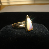 Vintage Sarah Coventry Mother of Pearl Adjustable Ring