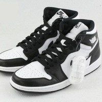 Nike Air Jordan 1 Retro Black/white