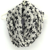 Infinity Scarf with Stars. Black White Scarf. Eternity Scarf. Circle Scarf. Women Accessory.