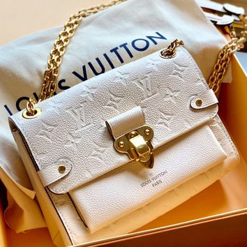Louis vuitton fashion casual messenger bag with embossed flap top sells casual women's one-shoulder shopping bag