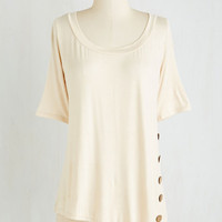 Mid-length Short Sleeves Quaint a Picture Top in Ivory