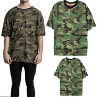 Loose couple short sleeved T-shirt covered with camouflage