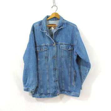 20% OFF SALE...80s light wash blue denim jean jacket // barn coat // women's size 1X