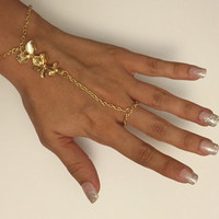 Lilly Hand Chain