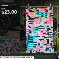 get FREE Worldwide Shipping + $5 Off Every Item by spinL | Society6