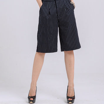 Striped Short Pants with Pocket