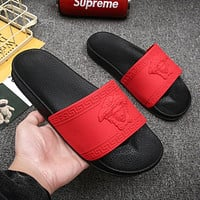 Versace Hot Sale Medusa Men's and Women's Casual Slippers Beach Sandals Shoes